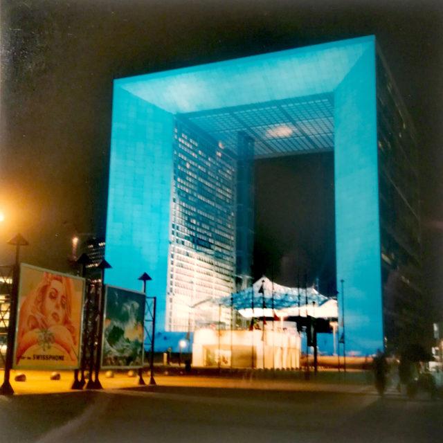 Création de panneaux publicitaires exposés sur le parvis de la Défense 1993